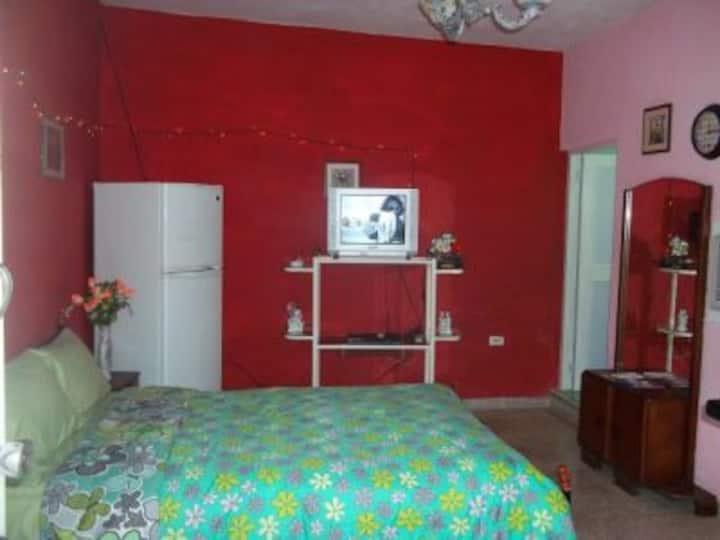 """Casa Eduardo """"Tinajon Camagueyano Room 2 (CAM)"""