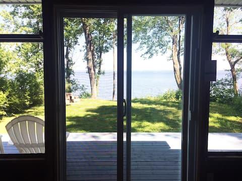Quiet & Cosy Lake House
