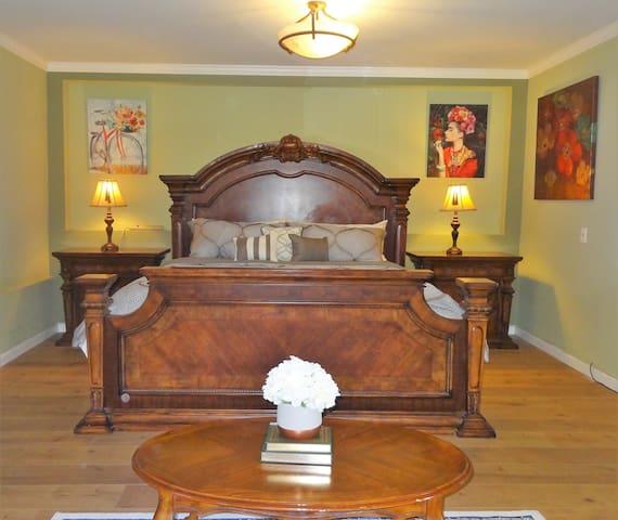Elegant Master Bedroom, Private Entry/Own Bathroom