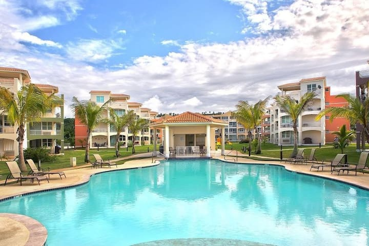 Paradise Coast Penthouse Studio - Beach Luxury