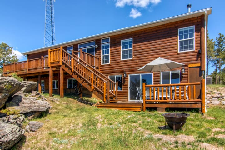 Spacious Black Hills Home w/Deck & Panoramic Views