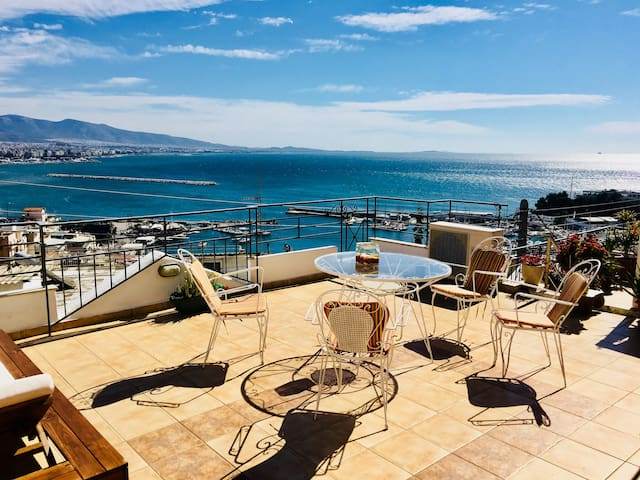 Apartment up the hill with spectacular view 100m2