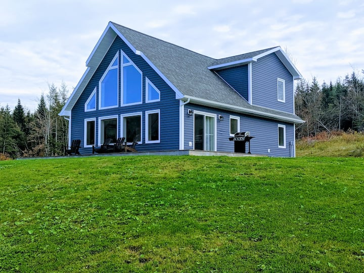 Luxurious Cape Breton Retreat