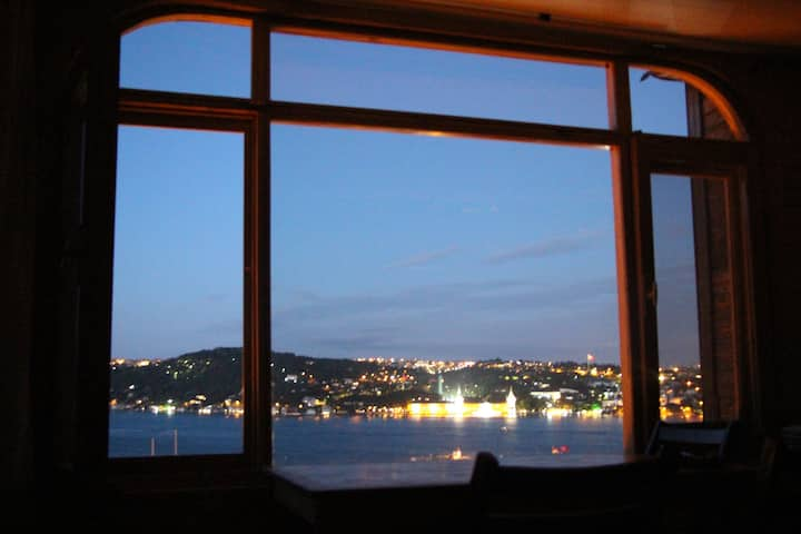 Peaceful Wooden House with Bosphorus View