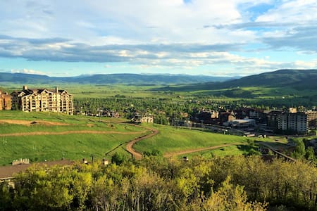 Ski In - Ski Out- 2 Bath with Spectacular Views! - Steamboat Springs