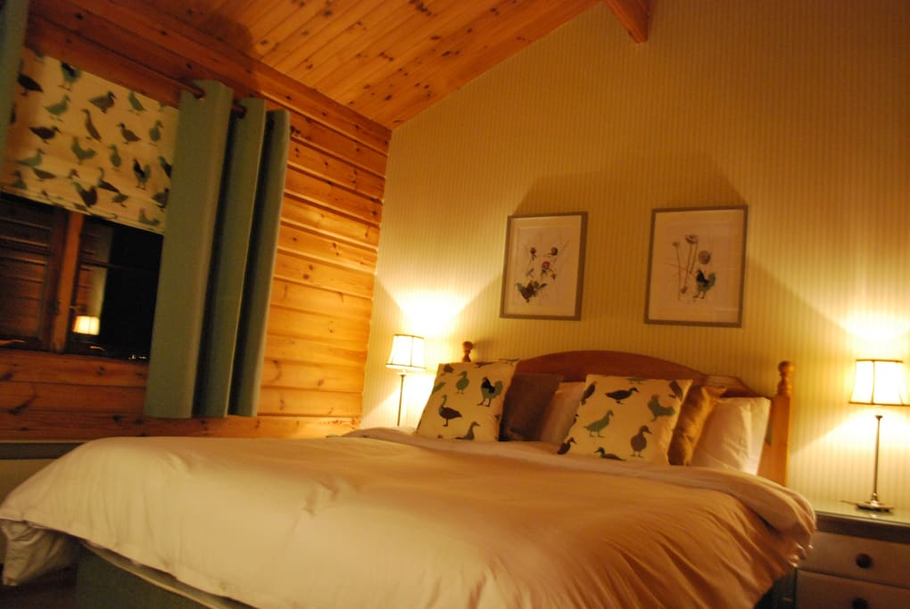 Comfortable luxurious king sized bedroom for a great nights sleep