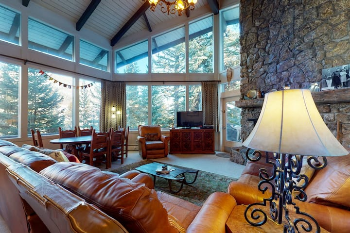 Bright & Well-Equipped Ski-In/Out House w/Private Hot Tub, Ping-Pong, & Foosball