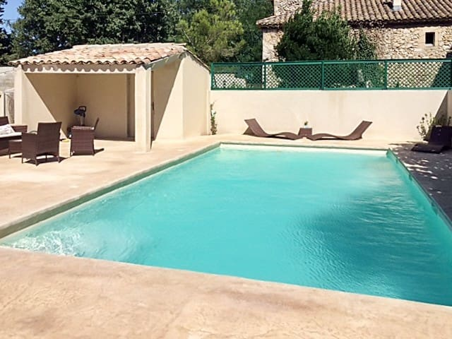 Traditional house w/ swimming pool - Saint-Victor-la-Coste - Casa