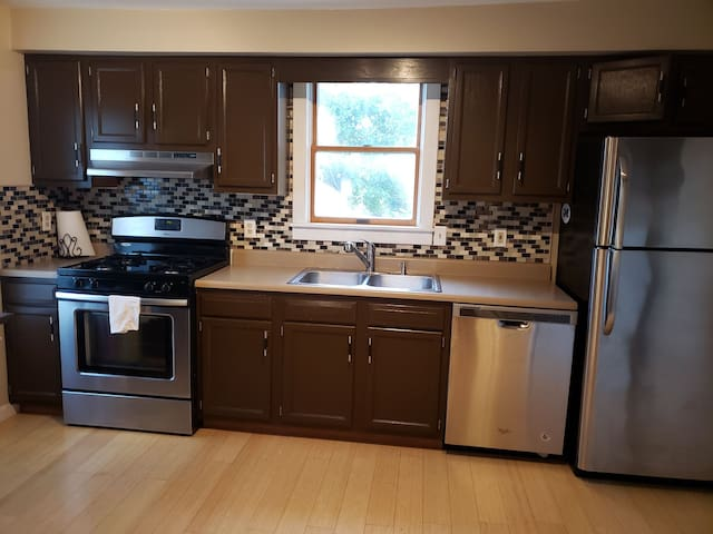 Quiet and clean apartment in Elmira Heights