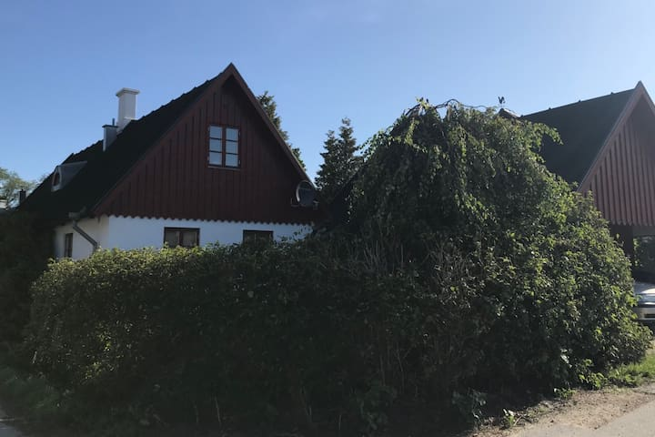 Fräsch skånelänga i Grönby, nära Smyge, Söderslätt