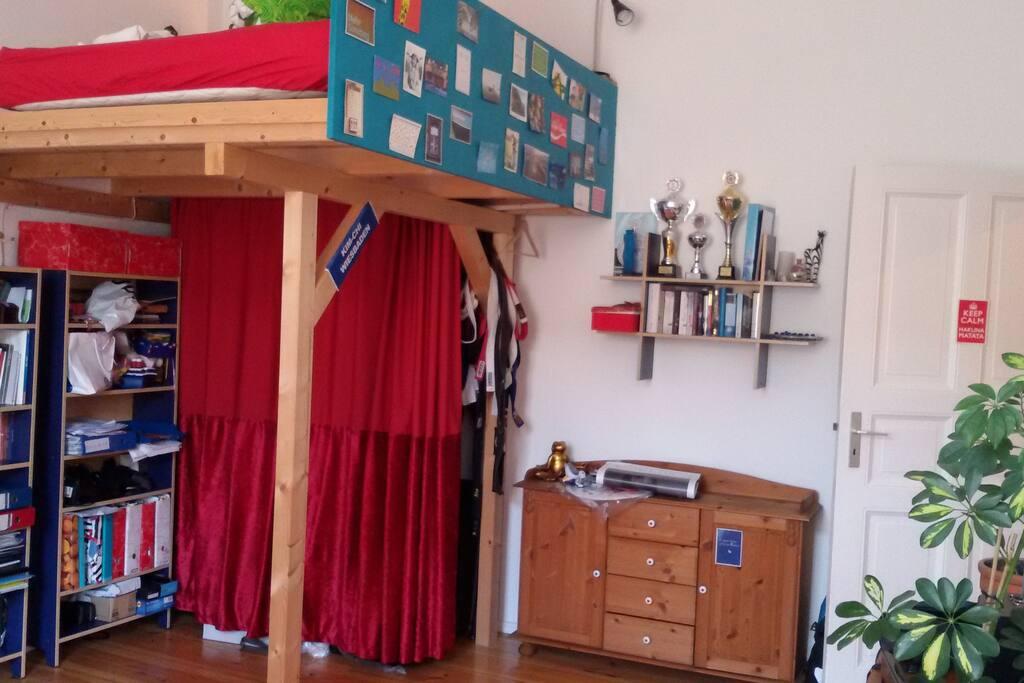 Hauptzimmer