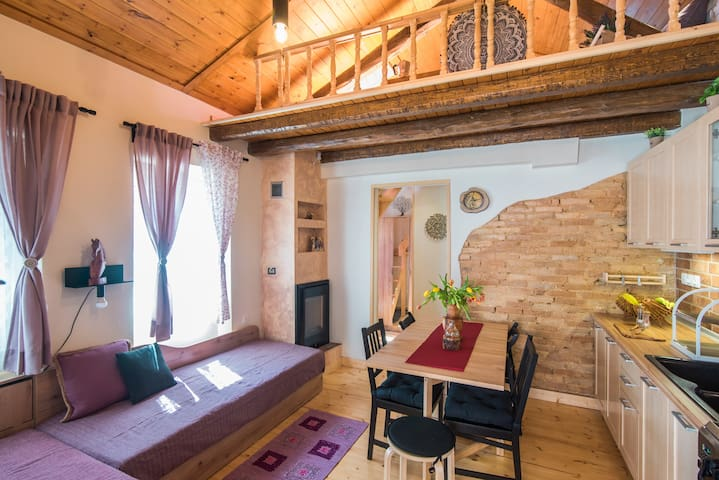 Spiti Lagis - rustic cottage house with 1BR loft