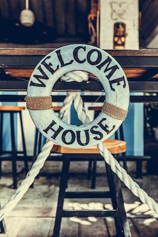 Welcomehouse is an home from home by the sea.