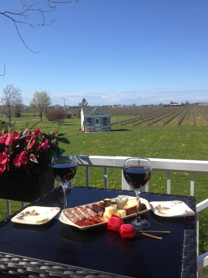 Niagara Vineyard View Guest House