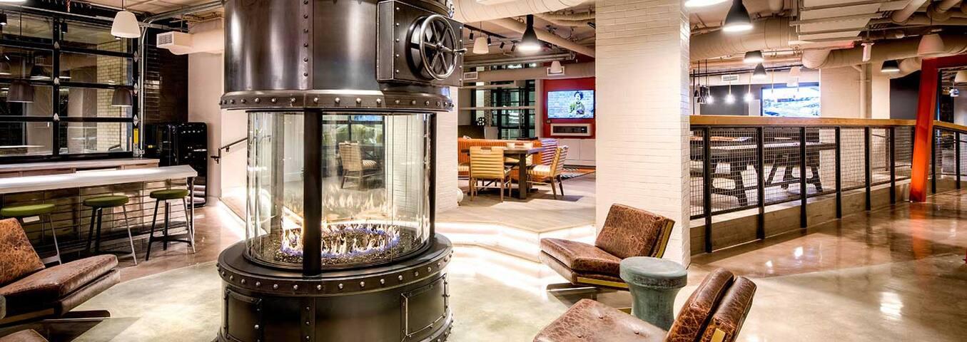 Luxury Industrial Studio Loft near Capitol Hill