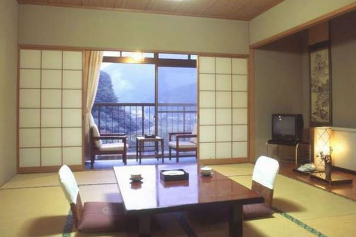 Warlords Takeda Shingen's Onsen Enjoy a private bath(Dinner and breakfast included)【16畳1階・禁煙】