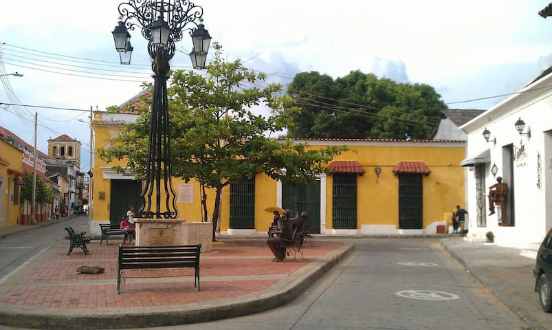 Room for 2 in colonial House in Getsemani