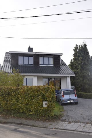 Chambre tout confort entre Liège et Ardennes - Chaudfontaine - Penzion (B&B)