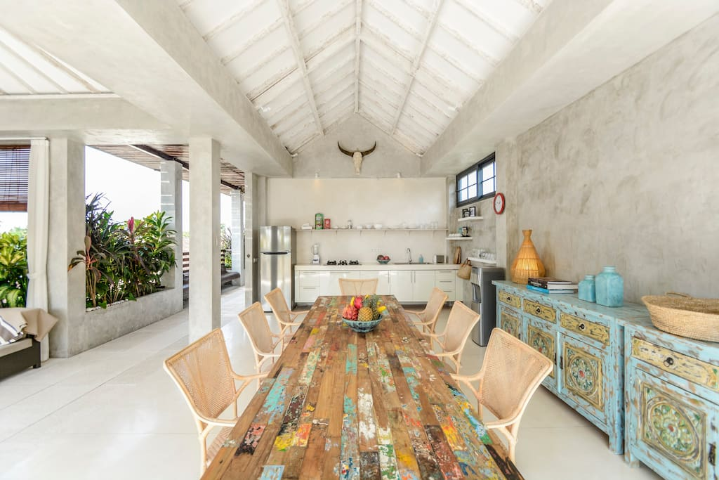 Big Dining Table, and fully equipped Kitchen