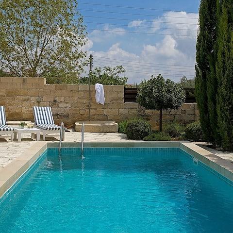 Villa Avgoustis (4 Bedroom Villa with Pool)