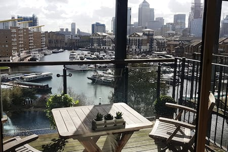 Double Room - Canary Wharf (zone 2, near centre)