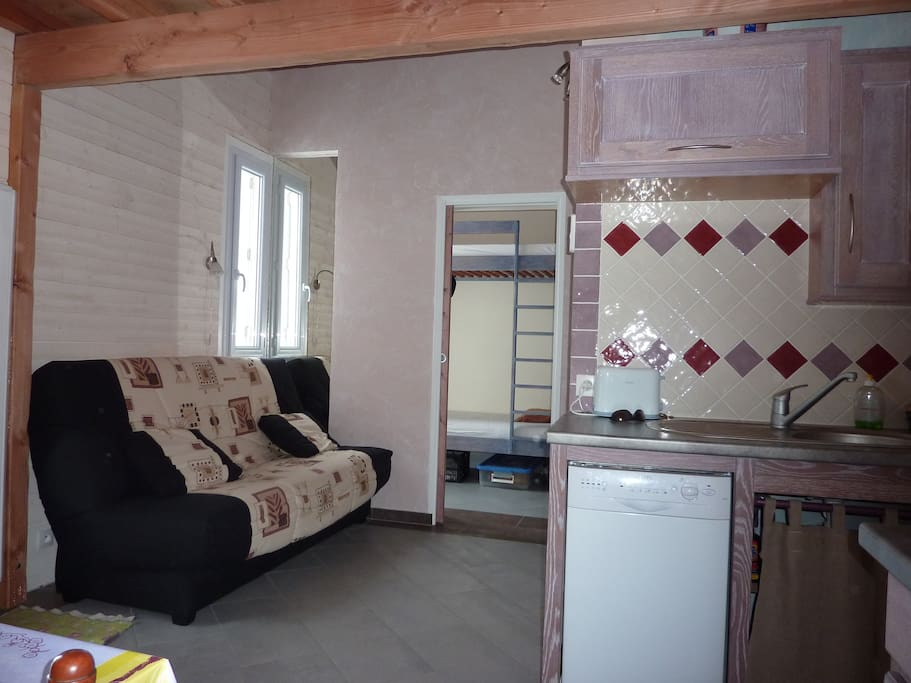 le coin salon ( 1 couchage 140 x 190 )