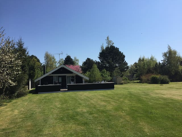 Sommerhus i naturskønne omgivelser på Møn - Stege - Cabaña