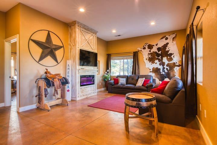 Cowboys Quarters.  Secluded Farm Guest Suite