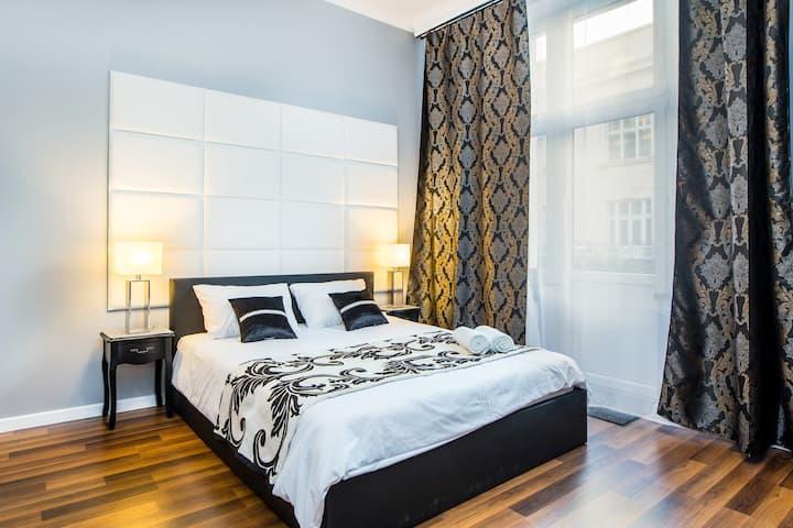 Tribeca City Center Apartments #1 - with Netflix