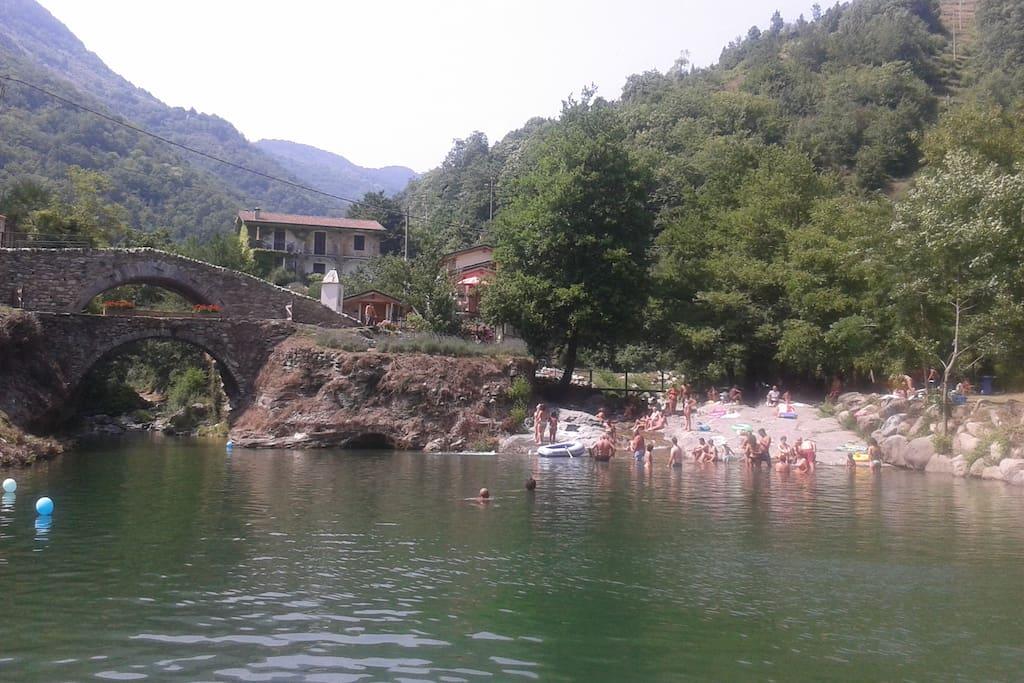 Sötvattenbad i Molini di Triora