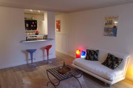 Cozy Designer Studio/Great Location