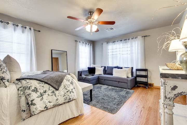 Kramer House-3 minutes from State Fair Park - Oklahoma City - Bed & Breakfast