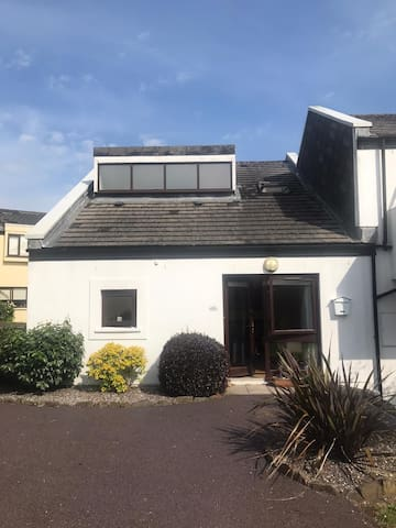 Seaside town of Youghal, Cork - 3 Bedroom villa