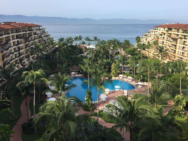 Oceanfront Penthouse Condo 5 Star Resort Oceanview