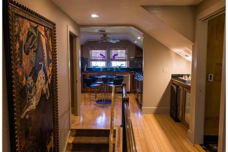 Downtown Executive Flat - Greenville
