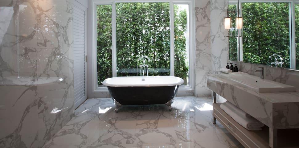 K Maison Boutique Hotel - Marble Suite - Bangkok - Bed & Breakfast