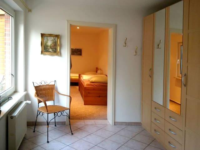 Dieses Bild zeigt den Flur, mit Blickrichtung zum Schlafzimmer.