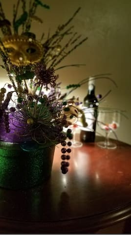 Complimentary wine and chocolates for guests staying 2+ nights