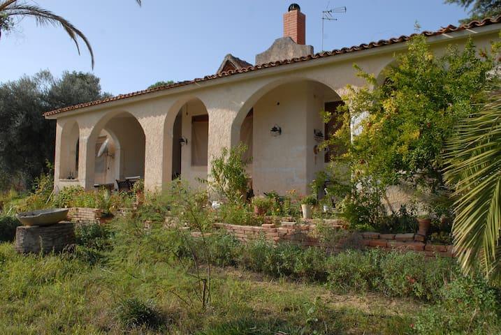 Villa in collina - Caltanissetta - Huvila