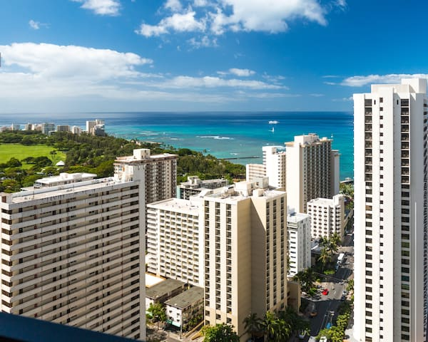 Waikiki Banyan Tower 2 Suite 3610 - Waikiki - Condominium