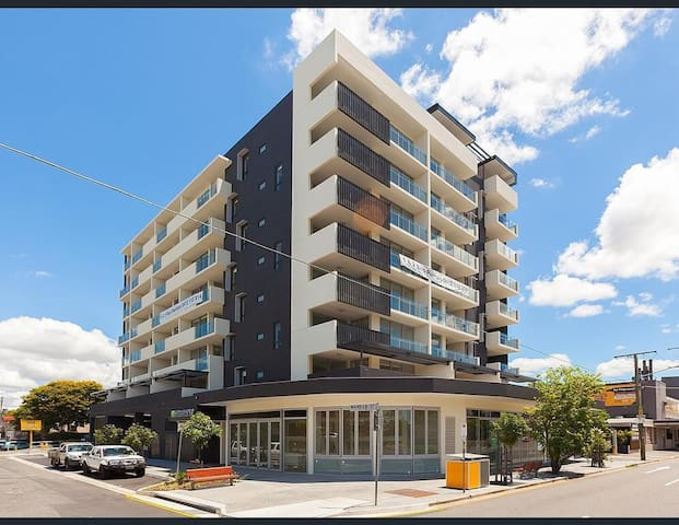 Executive 1-bed apartment, city. - East Brisbane - Apartemen