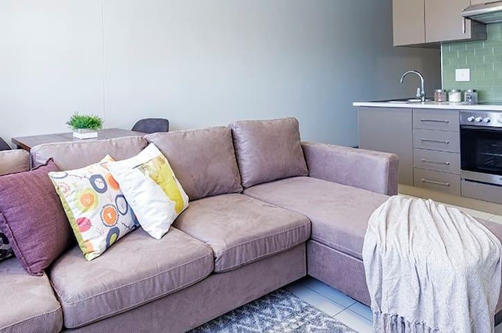 FaanBergh Accommodation - Business (Unit 5)