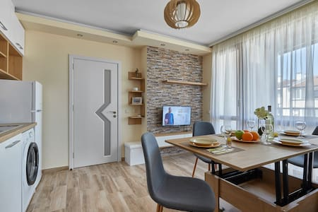 ROMANCE APARTMENT # BURGAS CENTER & PARKING # NEW