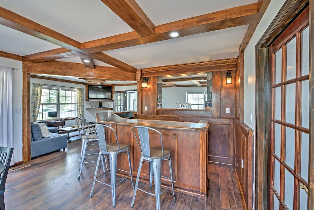 Relax and entertain in this well-equipped bar room.