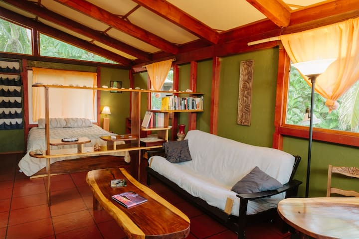 Tropical Canopy Guest Studio in Hawaii