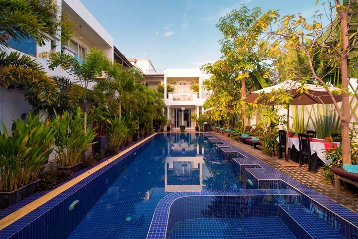 Private Triple Suite Best service-Free pick up - Krong Siem Reap - Bed & Breakfast