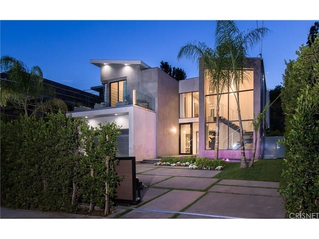 5B+5Ba Newly Built Beverly Hills Ultra Modern Home - Beverly Hills - Casa