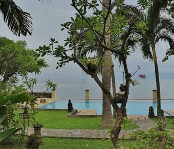 The Ning Beach Villa - Buleleng - Bed & Breakfast