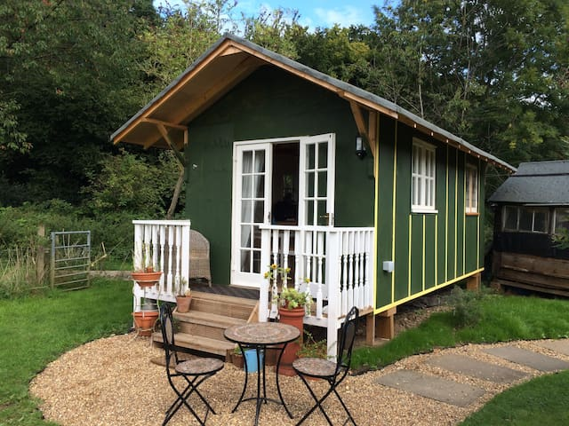 A charming 'Tiny House on Wheels' - Chorleywood - Cabaña
