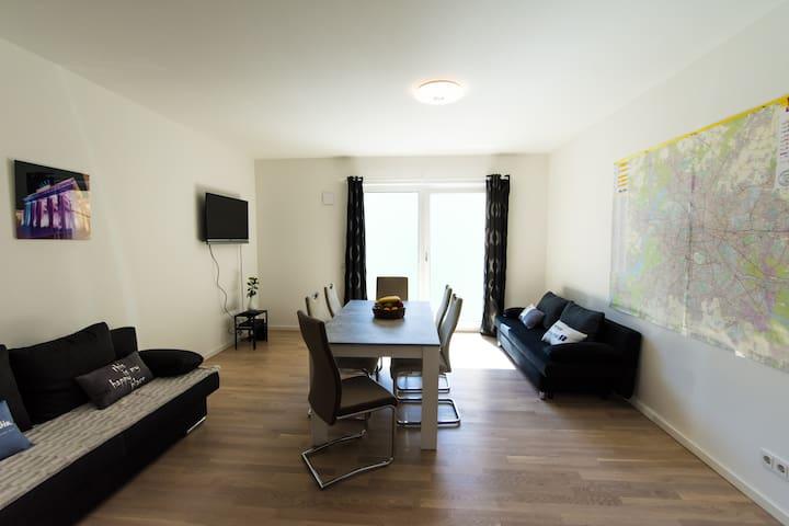 Apartment 90m² 10 min to main station, bath&shower